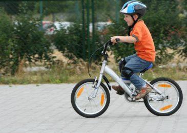 Pierwszy rower dla dziecka.